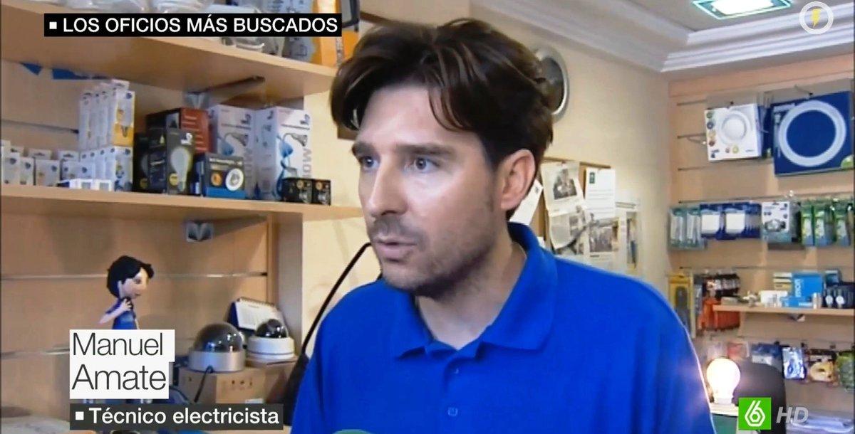 ATENCIÓN!!! Vídeo sorpresa si veo vuestro interés con RTs ;) #Técnico2.0 @sextaNoticias https://t.co/mG2HP4fpjR
