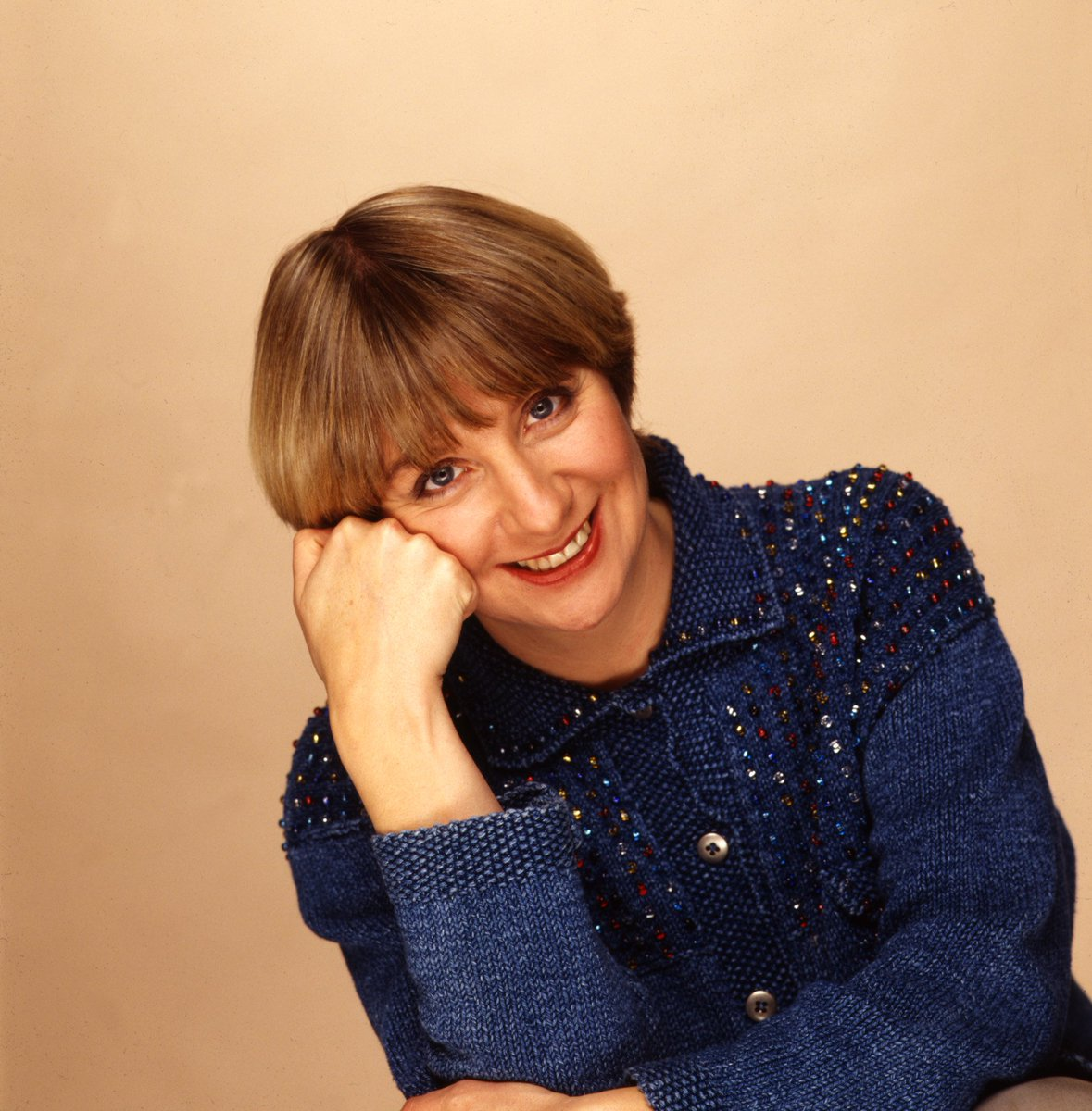 Victoria Wood has died at the age of 62. Listen to her Desert Island Discs here: https://t.co/plQY6bA7mb https://t.co/qtkXCzhByo