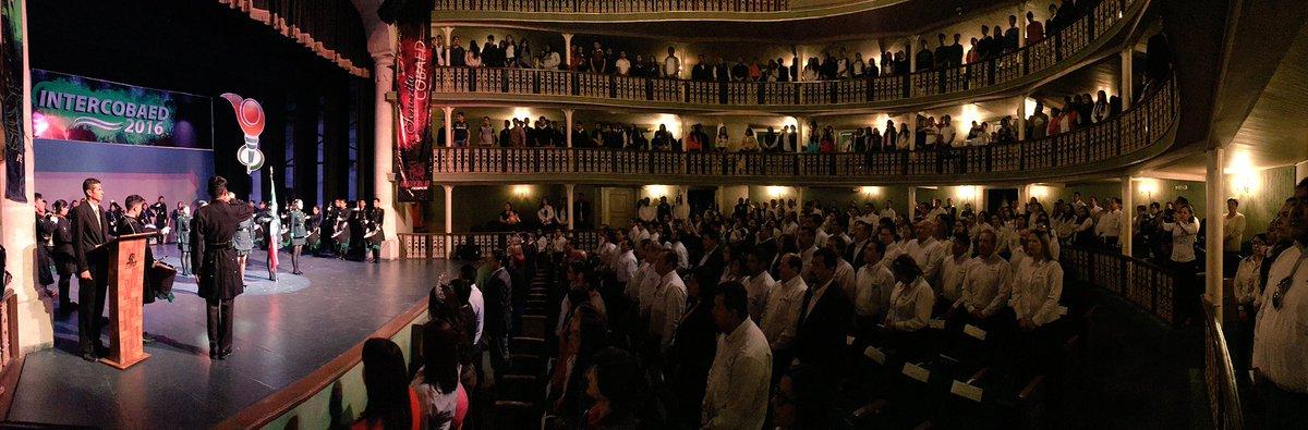 Asi luce el teatro Victoria en la inauguración #INTERCOBAED 2016 #SólolosMejores @gobdgo @TURISMODURANGO @SEED_Dgo https://t.co/yuOPGdy8lT