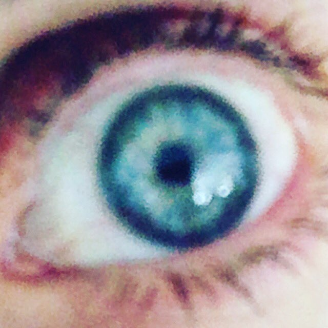 Send me a pic of your eye ???? https://t.co/twN64DKvu9