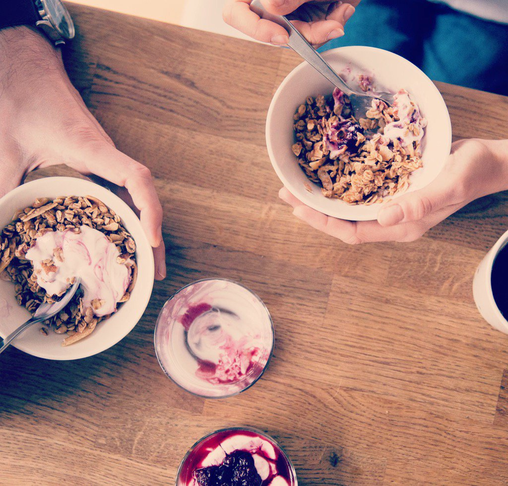 Tomorrow morning, the lovely @Spooncereals are giving you free granola in #battersea https://t.co/XXdsPIvw7S https://t.co/yYi9eh5ci6