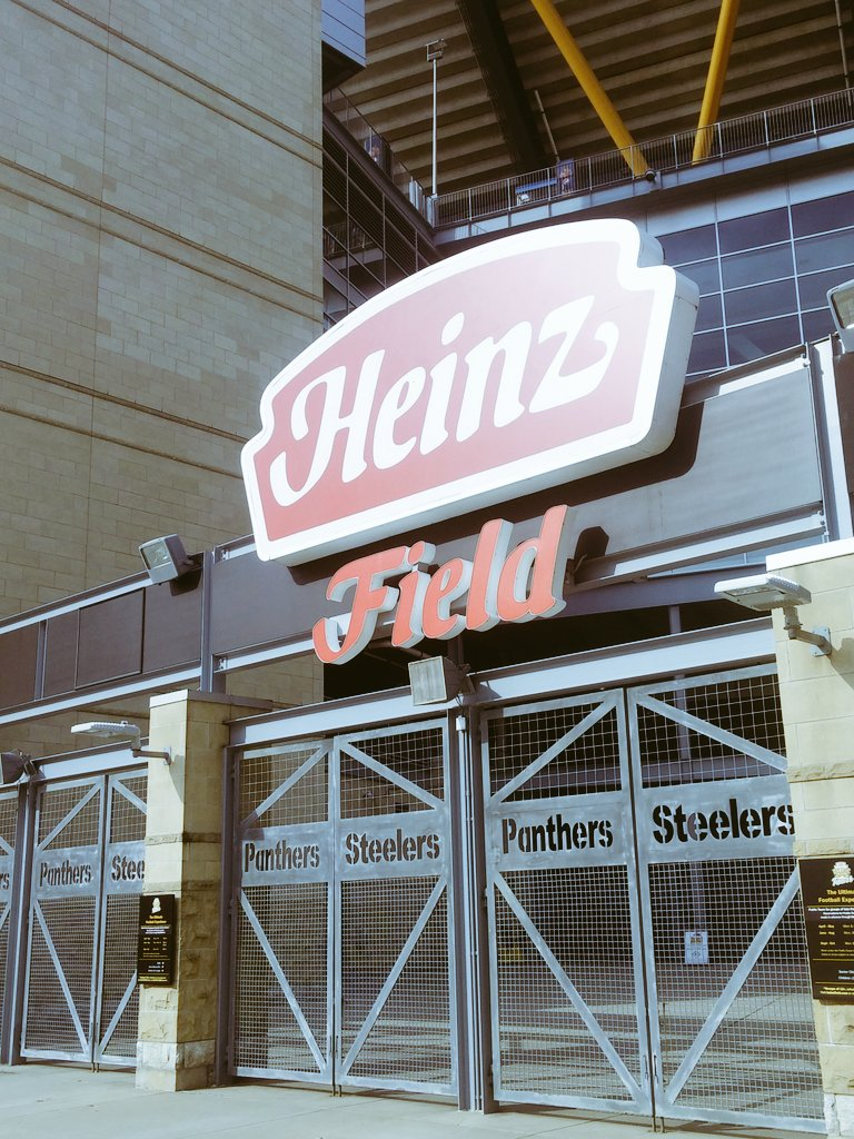 Tonight we celebrate the #pgh #IT community at the CIO of the Year Awards @heinzfield #ptccio https://t.co/Stsn6r4Qbi
