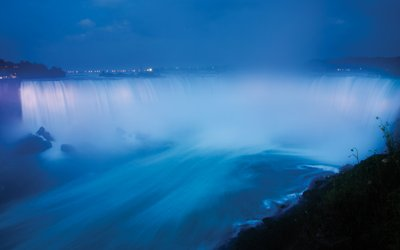 On April 29th at 10pm #NiagaraFalls will be lit up in blue and white in celebration of #WorldWishDay! https://t.co/Hja0HAmiio