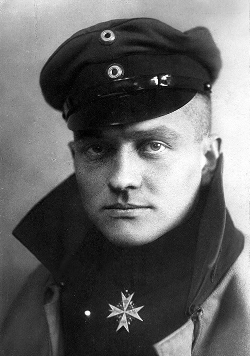 1918 - Manfred von Richthofen, better known as the Red Baron, is shot down and killed #OnThisDay https://t.co/J2TS8sxDrB