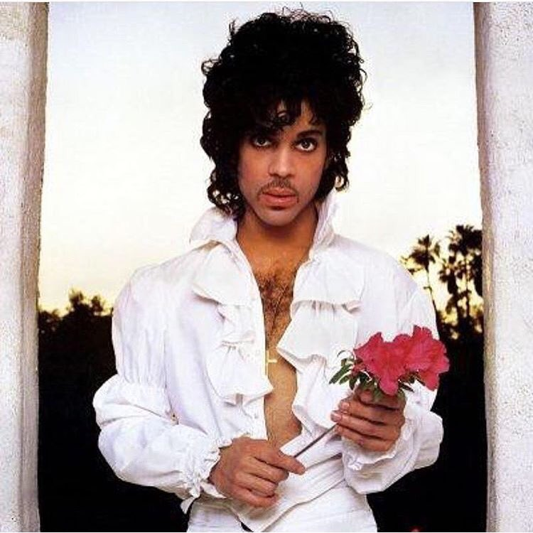 RIP to an Icon & Legend... Prince https://t.co/a6PoqrUf1k