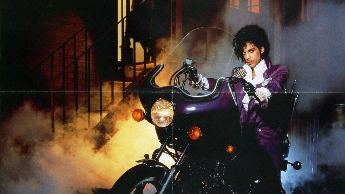 ONE NIGHT ONLY: Purple Rain May 3, 2016 @ @UICA  #RIP #Prince #PrinceRIP https://t.co/JZRExfcUjN
