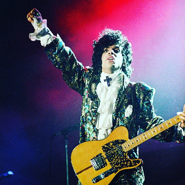 RIP to the one and only #Prince https://t.co/TLAUT9RZ07