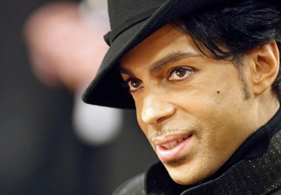 Prince was a secret humanitarian, who privately donated money to Trayvon Martin's family https://t.co/qsL8EvjXAo https://t.co/WenLtwIW68
