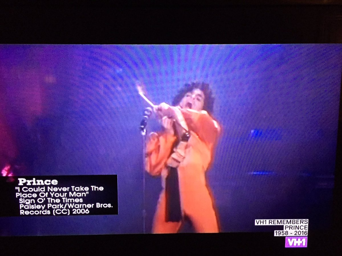 Finally. @MTV and @VH1 are actually playing music videos. #PrinceRIP https://t.co/Vzrdxt0pIM