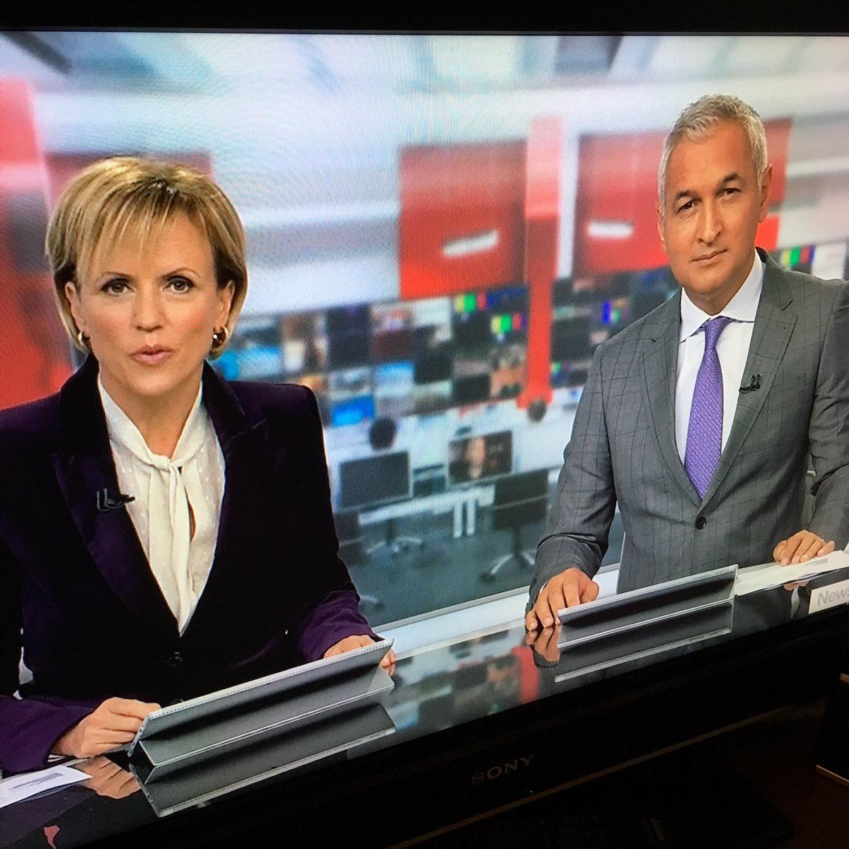 Did your country's newsreaders dress in tribute to Prince tonight? Ours did. (@Hilary_Barry in purple velvet.