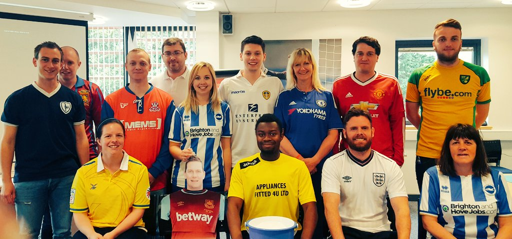 Kent FA support #FootballShirtFriday for the @BobbyMooreFund today. #TeamKent send us your selfies for a RT! https://t.co/CNtWWuFQuh