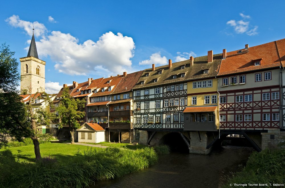 #Erfurt's medieval charm will place you into more than 1270 yrs of history #visitthuringia  https://t.co/XB7wqbYRWC https://t.co/wg33frQAmm