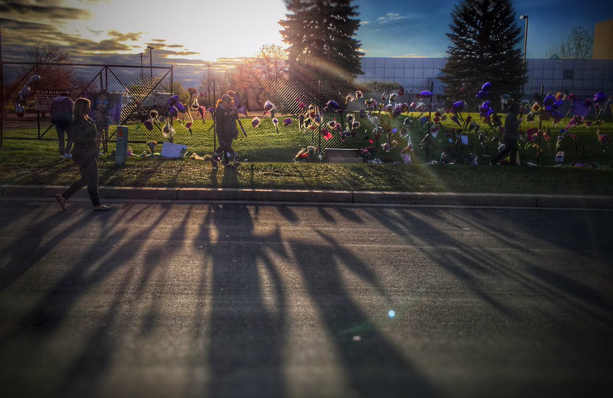 Sunrise from Paisley Park Studios during the Today Show.  #prince #PrinceRIP https://t.co/msGJeGpNhm