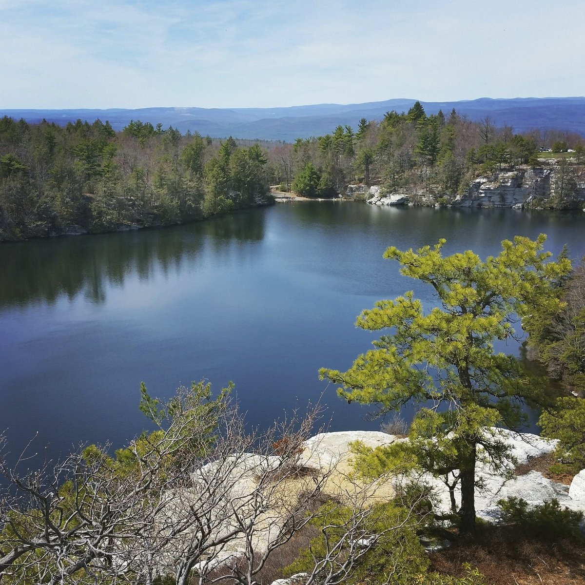 Happy #EarthDay! Celebrate by visiting your @NYstateparks  https://t.co/Dou3alO0Sb photo: #Minnewaska State Park https://t.co/aIqUC5x9Eg