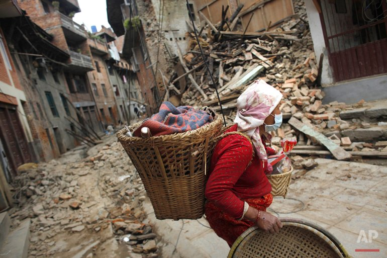 From @AP_Images, a photo essay showing how Nepal is rebuilding after last year's earthquake: https://t.co/5tCDjfiEcT https://t.co/k30IWDvxzc