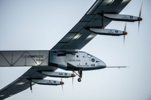 RT @solarimpulse: Potential of cleantechs is proven today as Si2 is flying today w/out fuel during EarthDay http…