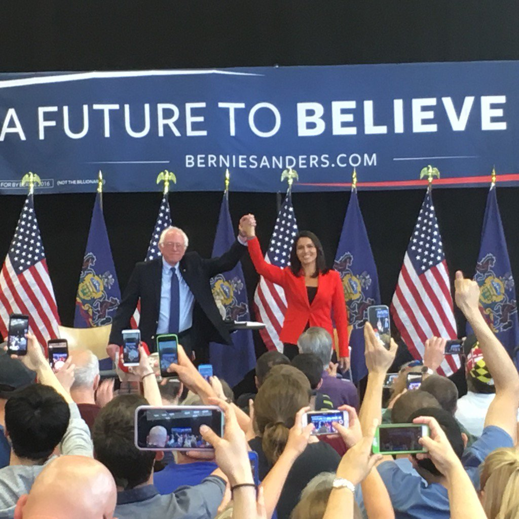 @TulsiGabbard introduces @BernieSanders in Gettysburg by quoting from Lincoln's address. https://t.co/lc8YCW7r1i