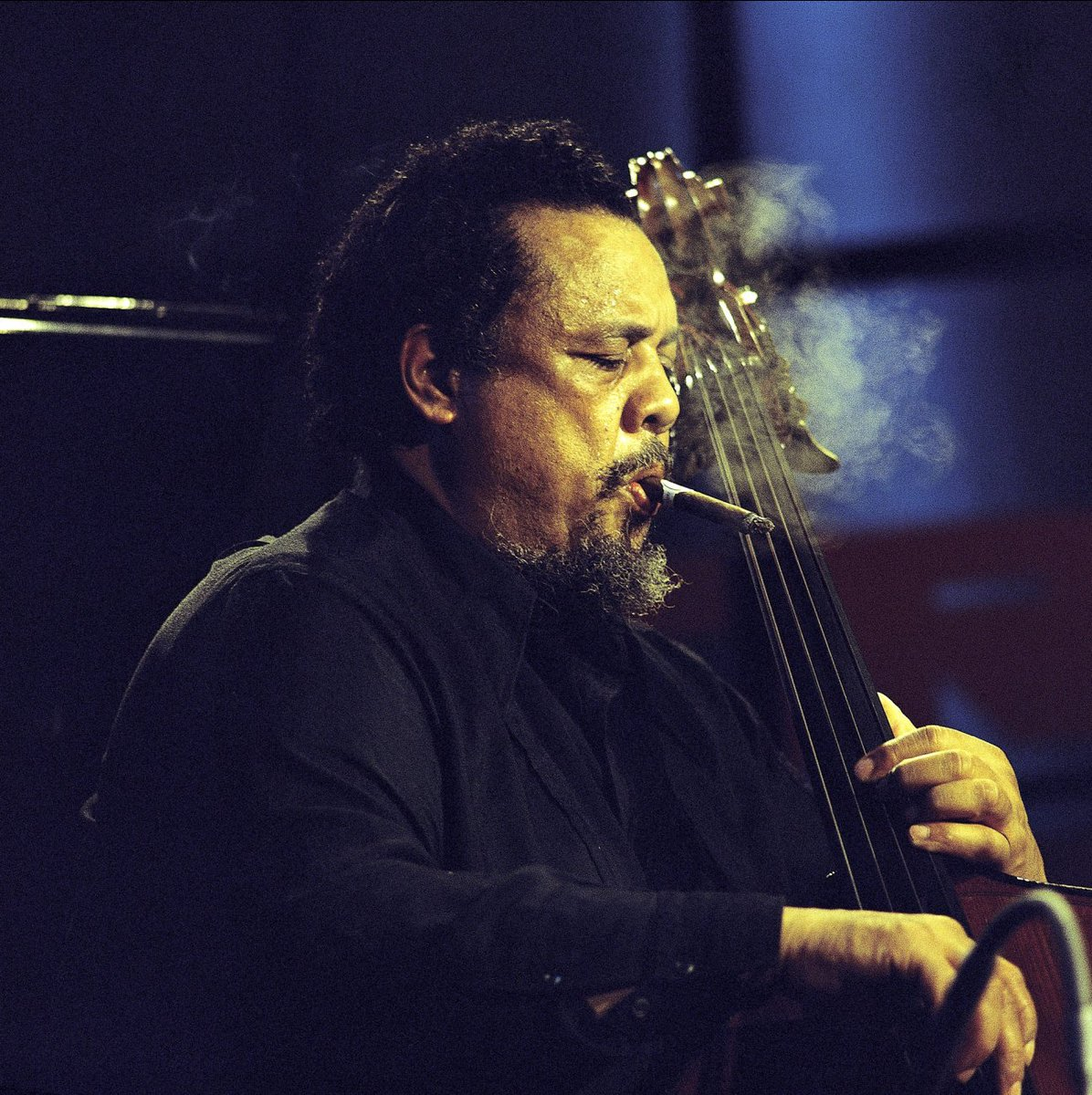 Afropop remembers jazz bass giants Charles Mingus and Paul Chambers who were both born today. https://t.co/PKPZH0eaBS
