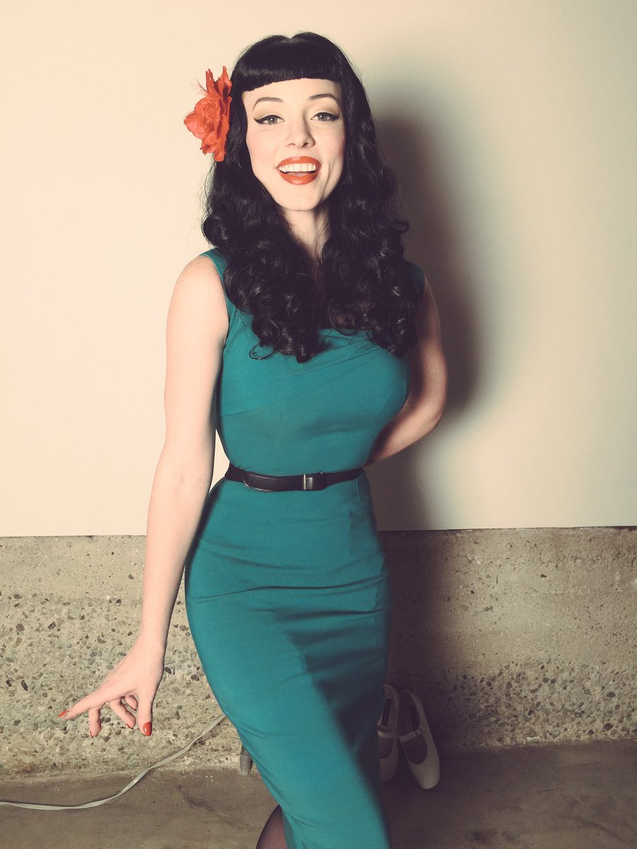 I love dressing up as my idol and inspiration to be a pinup, Happy birthday Bettie Page #Queenofpinups