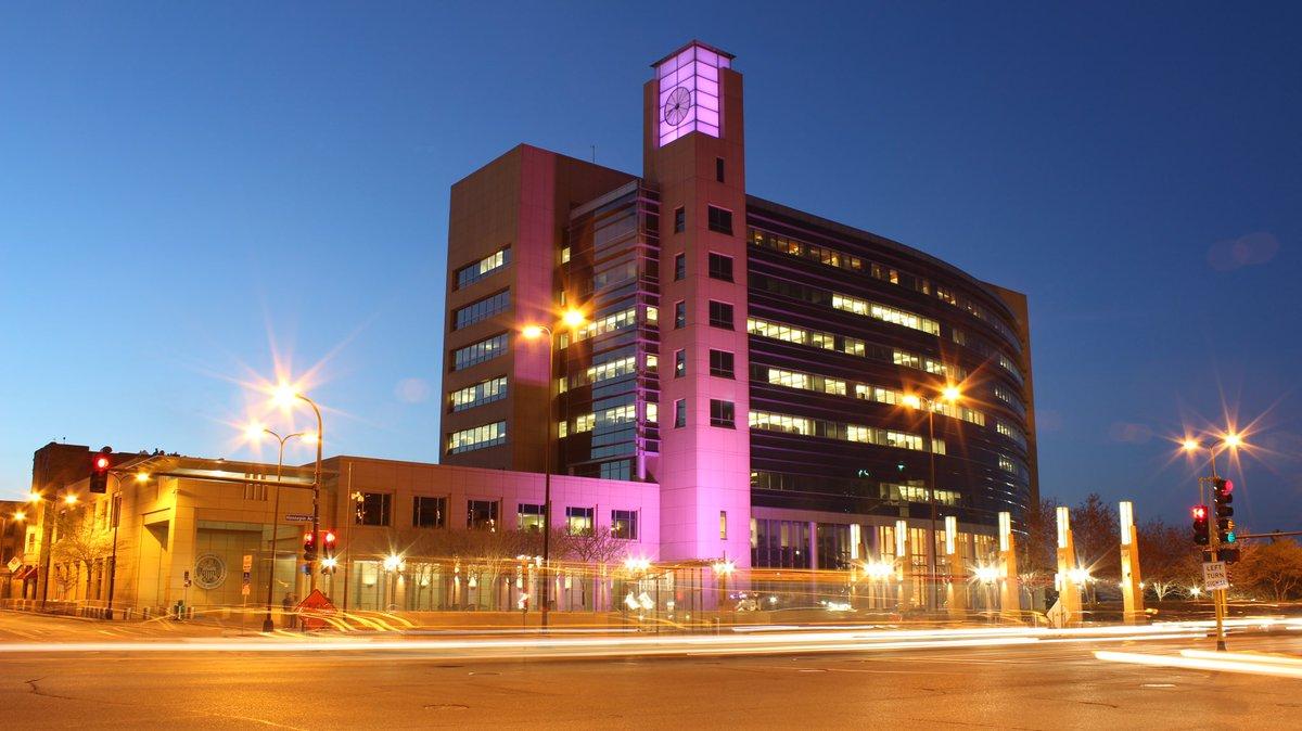 In tribute to a #Minnesota legend, #PurpleForPrince https://t.co/ye0b2yTXbs