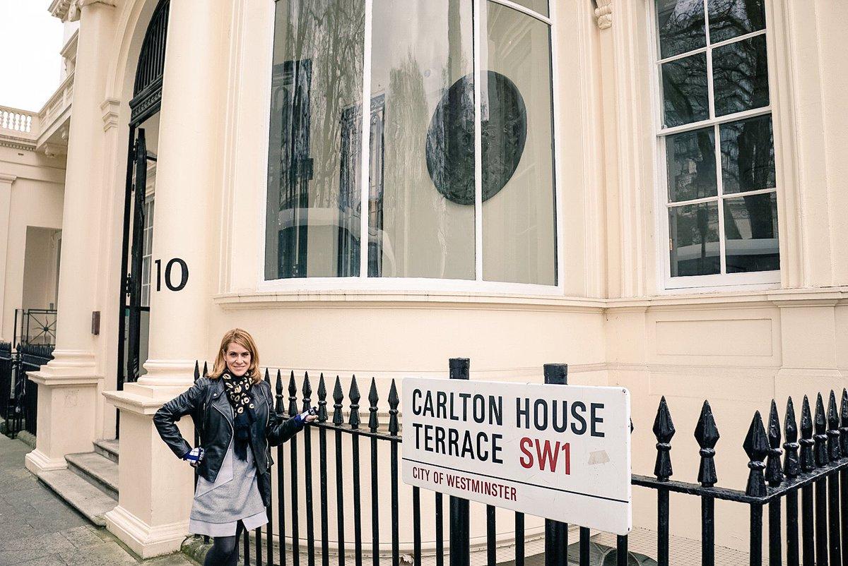 Had to stop at the #DiogenesClub. #Sherlock #setlock #London @britmovietours https://t.co/FFOtLuUmql