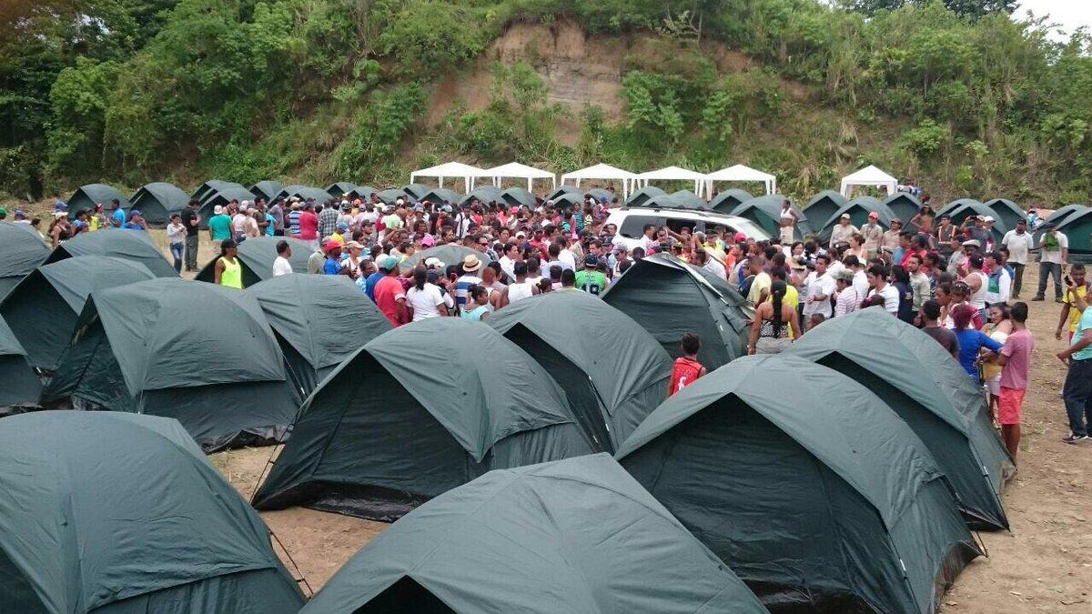 Este es el campamento y centro de reparto del #hangar7ec en San Vicente les ruego q manden comida. Se necesita ❤️ https://t.co/drPiELhhWx