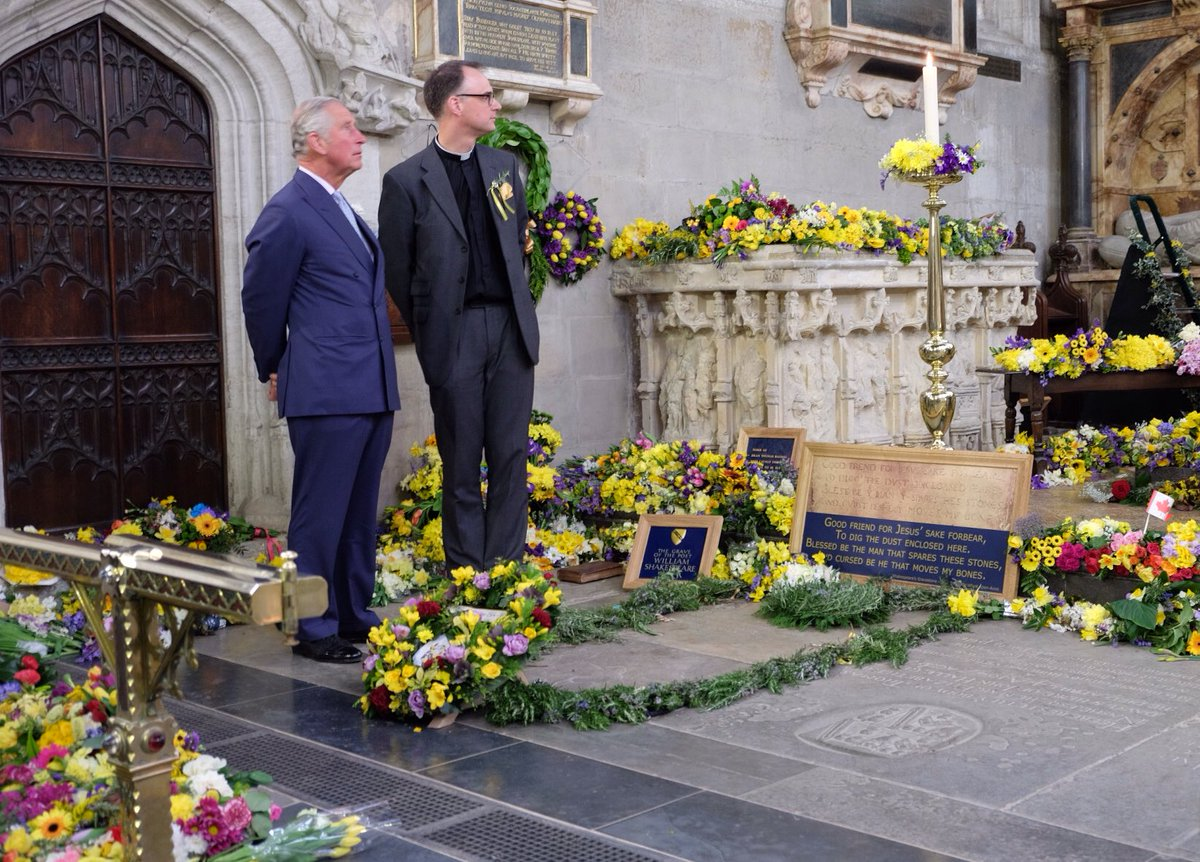 On 23 april every year visitors lay flowers on shakespeares grave on 23 april every year visitors lay flowers on shakespeares grave to mark the playwrights izmirmasajfo