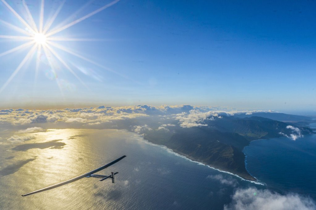 The #futureisclean! Be on the lookout, the @solarimpulse plane is flying over the golden gate soon. Check it out! https://t.co/pl2T7VEMVf