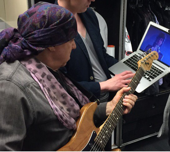 "@stevievanzandt ""going to the videotape"" backstage earlier tonight to make sure Purple Rain is done perfectly https://t.co/0DO1ZhDc3g"