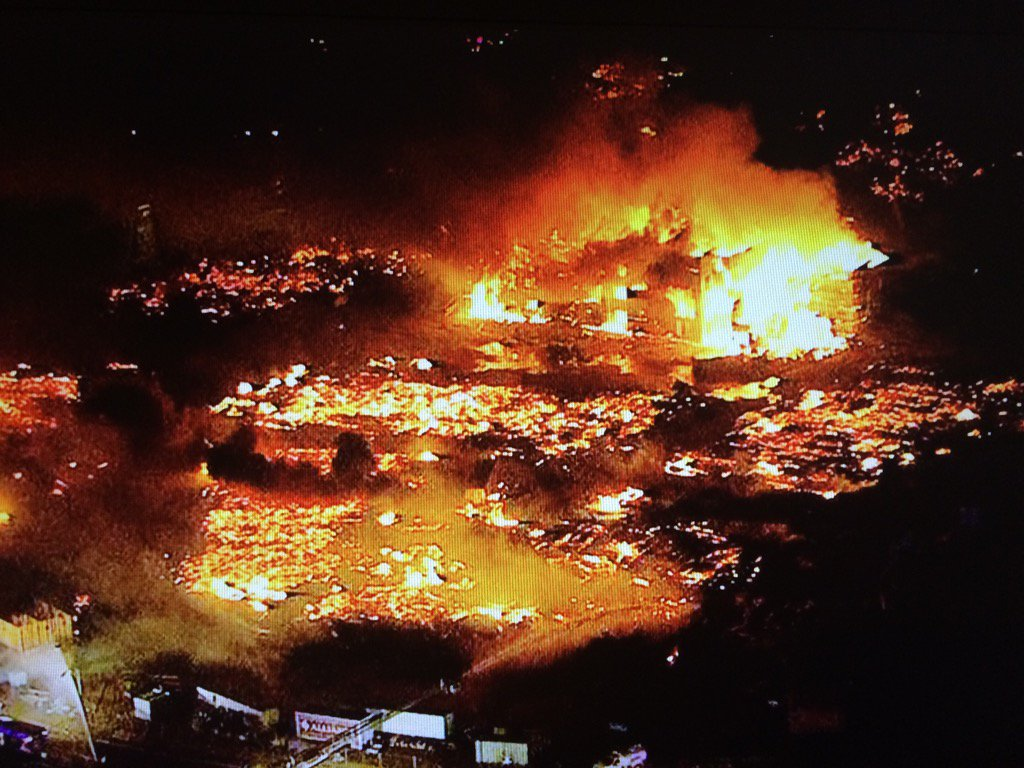Sky 12 over 5 alarm fire in Gilbert. #12News #AZFire https://t.co/rx3hYzuhhW