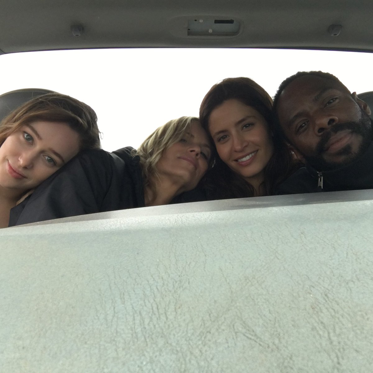 Love my ladies of @FearTWD https://t.co/DW0LTZAj5Y