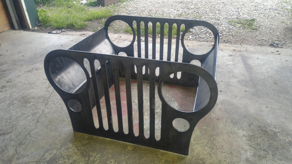 RT @nowherekansas: Need to find a grate for top of #jeep fire pit...