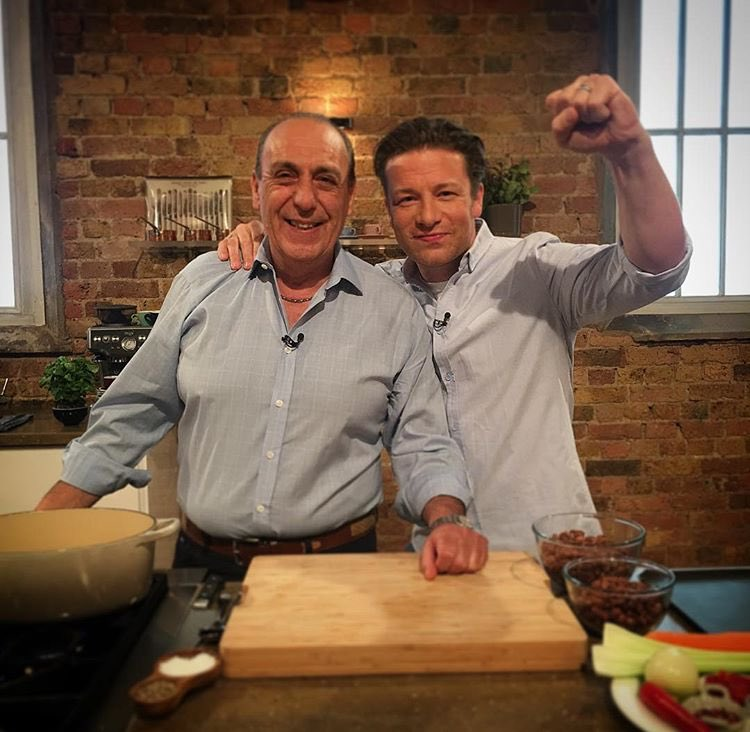 Get watching @BBCOne @SaturdayKitchen is it gonna be my food heaven or food hell!! https://t.co/UcpDZmFXpj