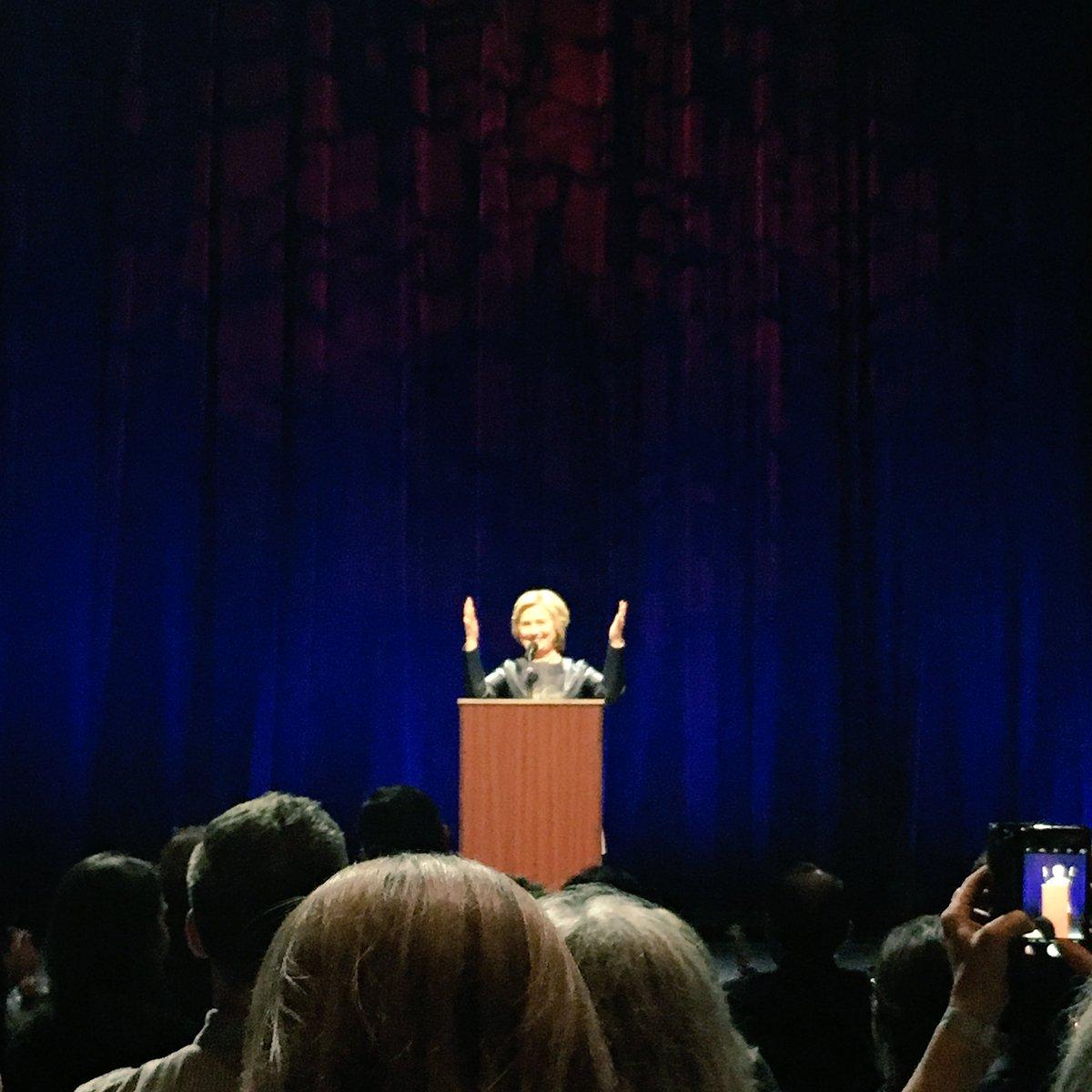 Secretary @HillaryClinton gave a rousing speech tonight in San Francisco. Inspiring & moving. #ImWithHer https://t.co/z16r4Szy08