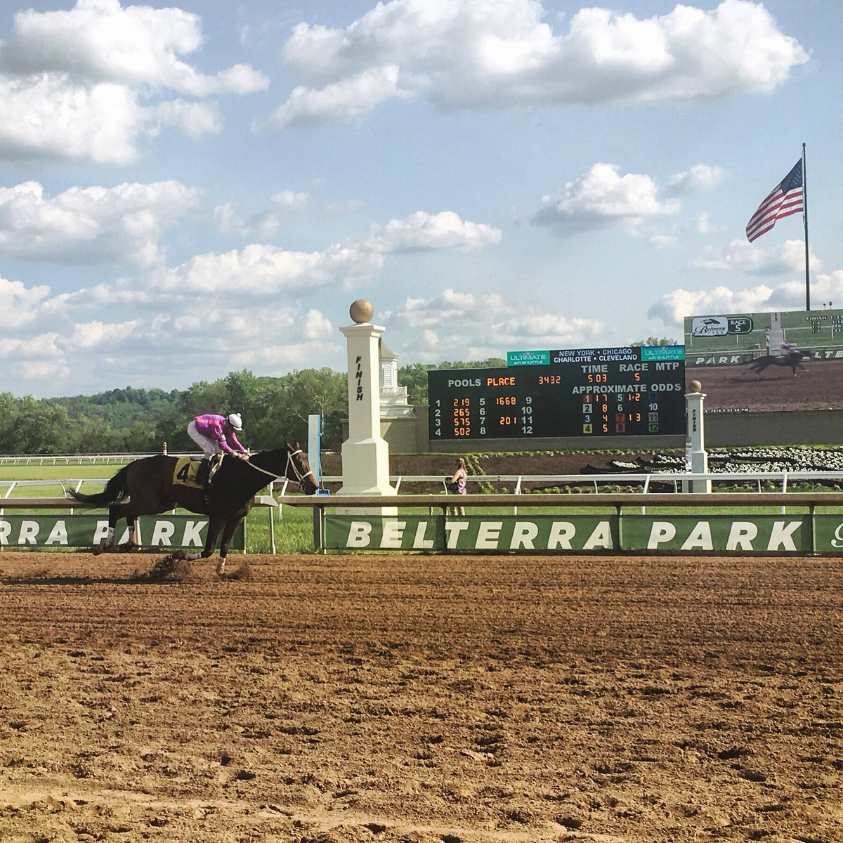 Run for the Roses @belterrapark for the Kentucky Derby. Enjoy live racing & more. Live racing post time is 1:30pm. https://t.co/vQZytqTLq7