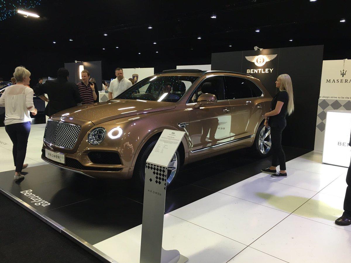 At the @londonmotorshow today. Here's the new @BentleyMotors Bentayga. https://t.co/39KHsfE2ep