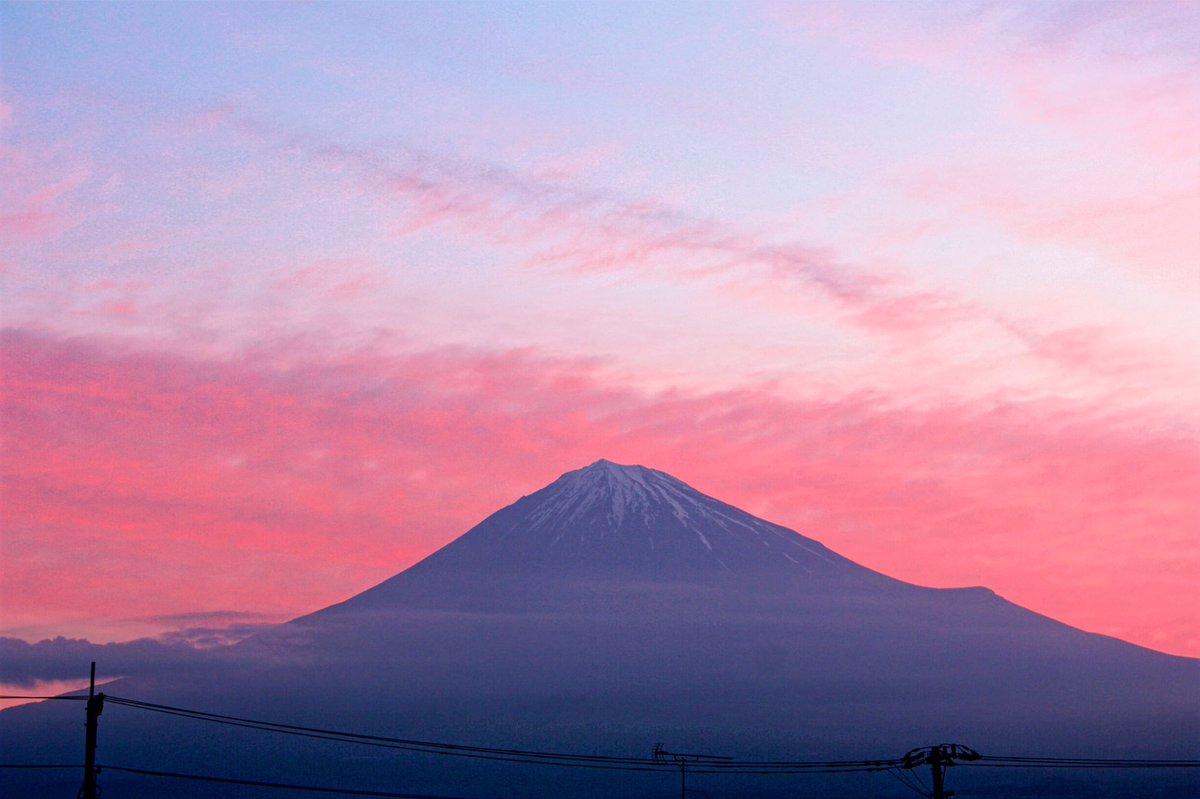 5月8日富士宮市からの早朝富士山 おはようございます(^ ^)今日は綺麗な朝焼けが見られました~ - フォト蔵 https://t.co/MphWghZbxX https://t.co/8aIuq3ZJCK