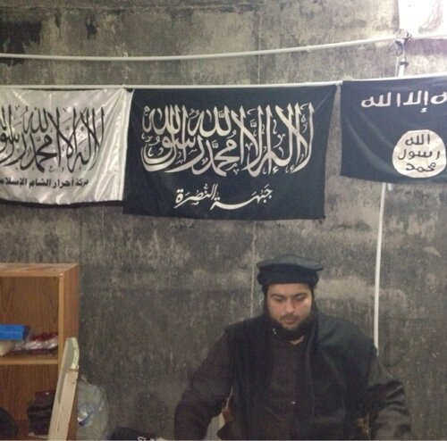 "Meet ""Dr"" Abdallah Al-Muhaysini, the leader of the Syrian ""revolution"" for ""freedom"" & ""dignity."" #Aleppo #Syria https://t.co/RSAz9KtgR2"