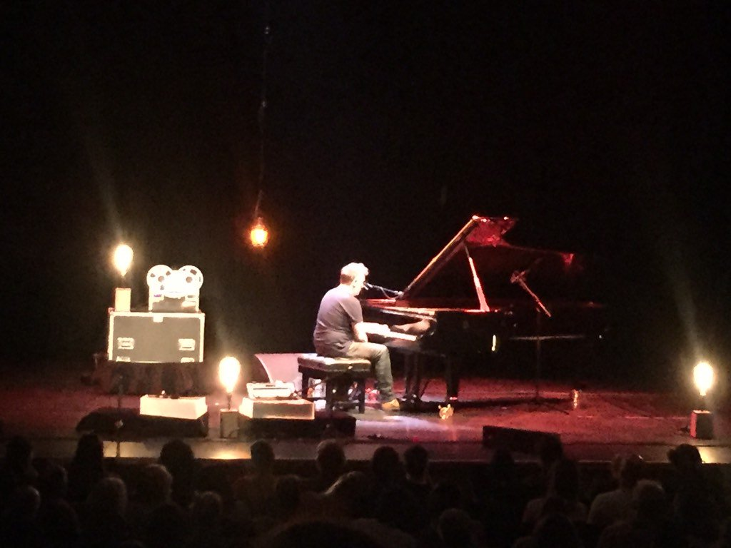 @yanntiersen was wonderful tonight at the @barbicancentre. Just him and the piano, a real treat. #yanntiersen #eusa https://t.co/Tl3TjYLC43