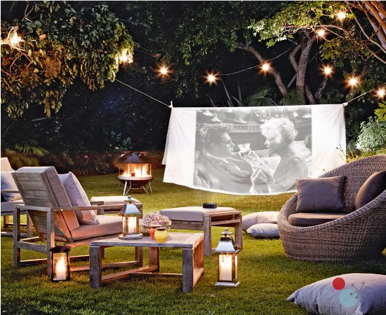 Here's an idea! https://t.co/ODgdaS4IPC Set up an outdoor cinema in your garden and invite family and friends over! https://t.co/P5WGCgB5fv