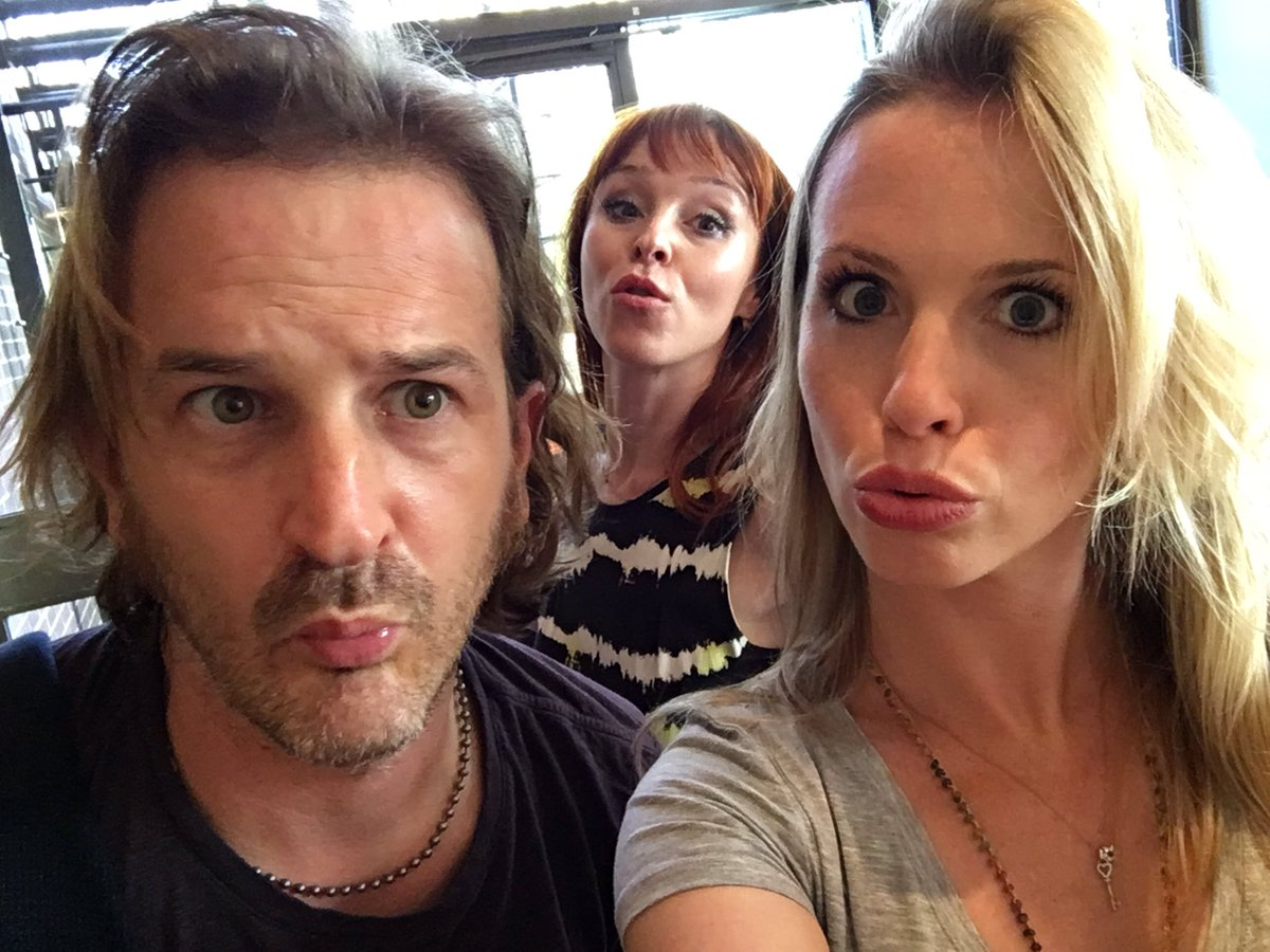 #duckfacebotox #scottishphotobomb @dicksp8jr @RuthieConnell @RogueEvents #asylum16 https://t.co/WPyY95nVwb