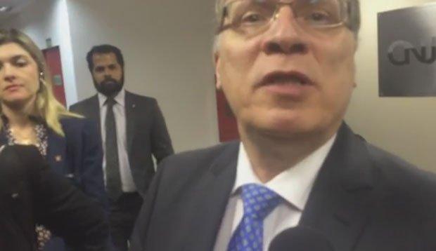 Governo repassará toda a verba do ano à PF antes do dia 11, diz ministro