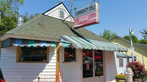 Stop in 4 a (cheap!) homemade lunch at @CommunityDeli near Cameron Village, part of Raleigh's history for ~100 yrs! https://t.co/xfjYNQJQCu