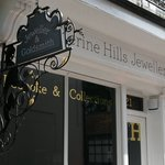 Take a look at this video tour of our atelier - https://t.co/831N7bgeX0 #Tunbridgewells #Jewellery https://t.co/EWrtM5ug45