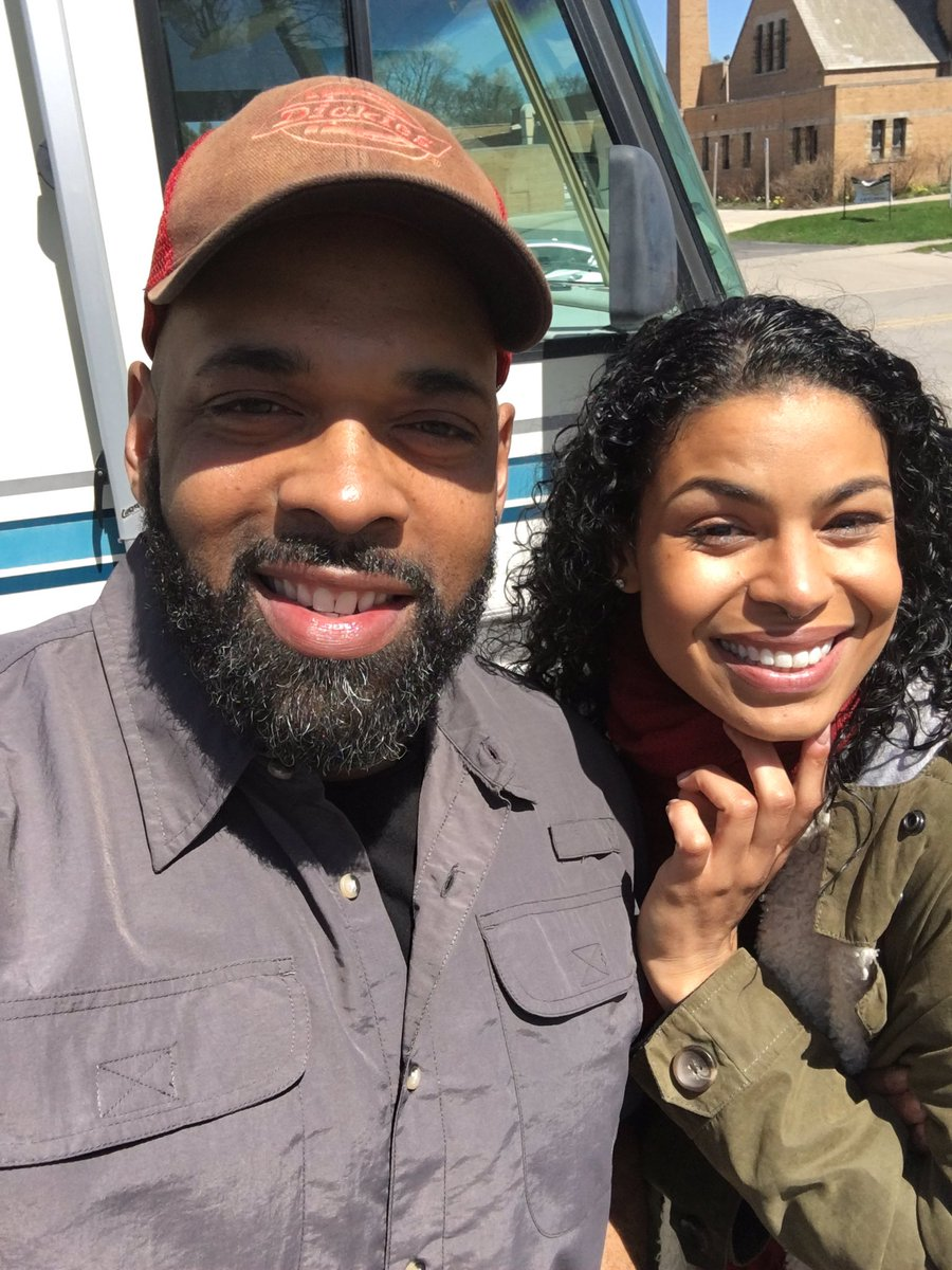 It was so cool to have @JordinSparks stop by my trailer 2day while shooting #GodBlessTheBrokenRoad. #ActorsLife https://t.co/BloyXVmJGd