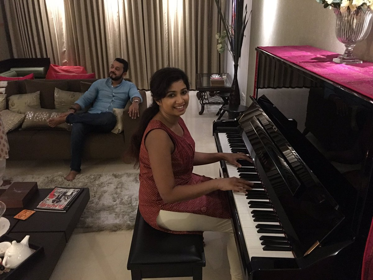 When @shreyaghoshal sings, Divinity visits you. Privileged to be a contemporary, colleague and friend! @satrajits https://t.co/PT4CnoFfPj