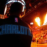 HORNETS WIN! Charlotte steals a victory on Miami's home court 90-88 to lead the series 3-2! #ENTERTHESWARM https://t.co/r8PtgZ7z8D