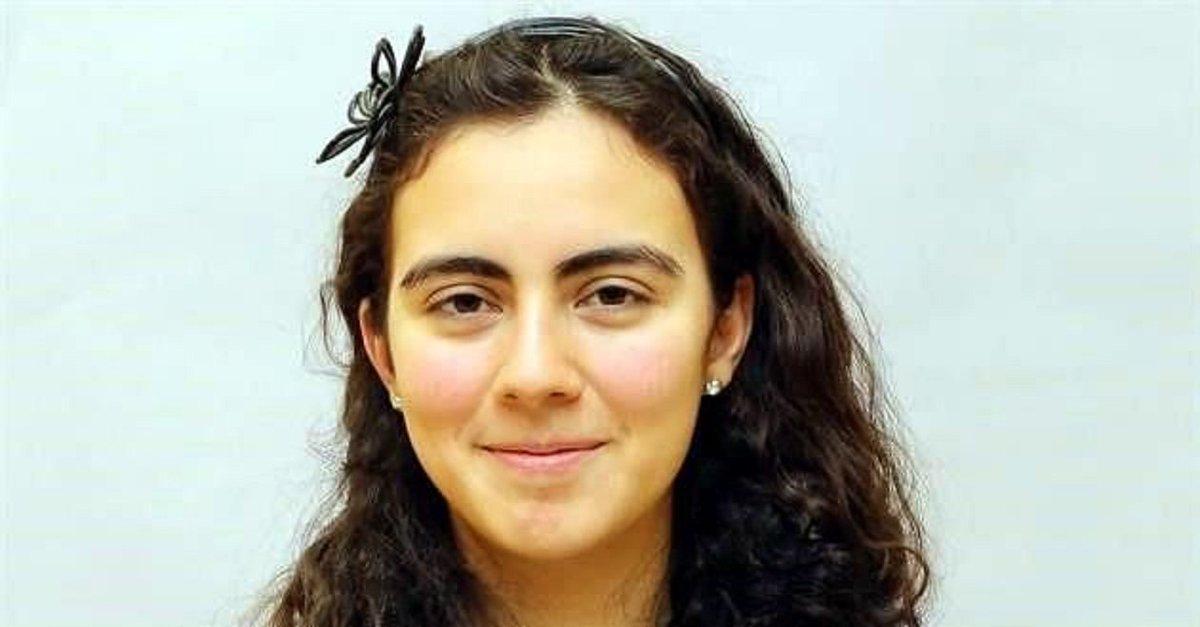 Olga Medrano, estudiante de 17 años  medalla de oro en la Olimpiada Europea Femenil de Matemáticas #LadyMatematicas https://t.co/lShLdLQSER