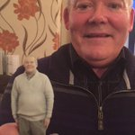 My uncle got a 3D figurine of himself made and I am actually crying laughing what is going on https://t.co/9EmnOTsocg