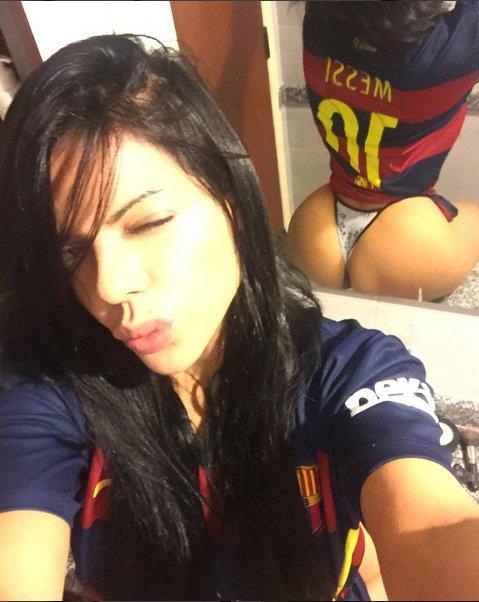 RT @PublimetroMX: Las Miss Bumbum @SuzyCortez_ sigue demostrando su amor por el Barcelona https://t.co/QrQxFfnXkU https://t.co/ard2L4Sjdd